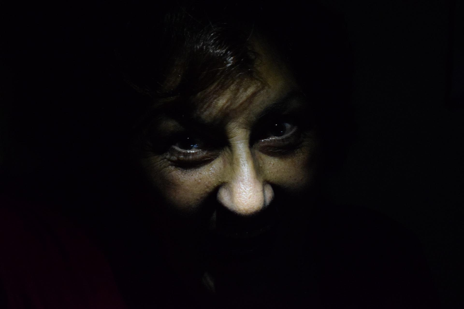 darkness-1485598_1920