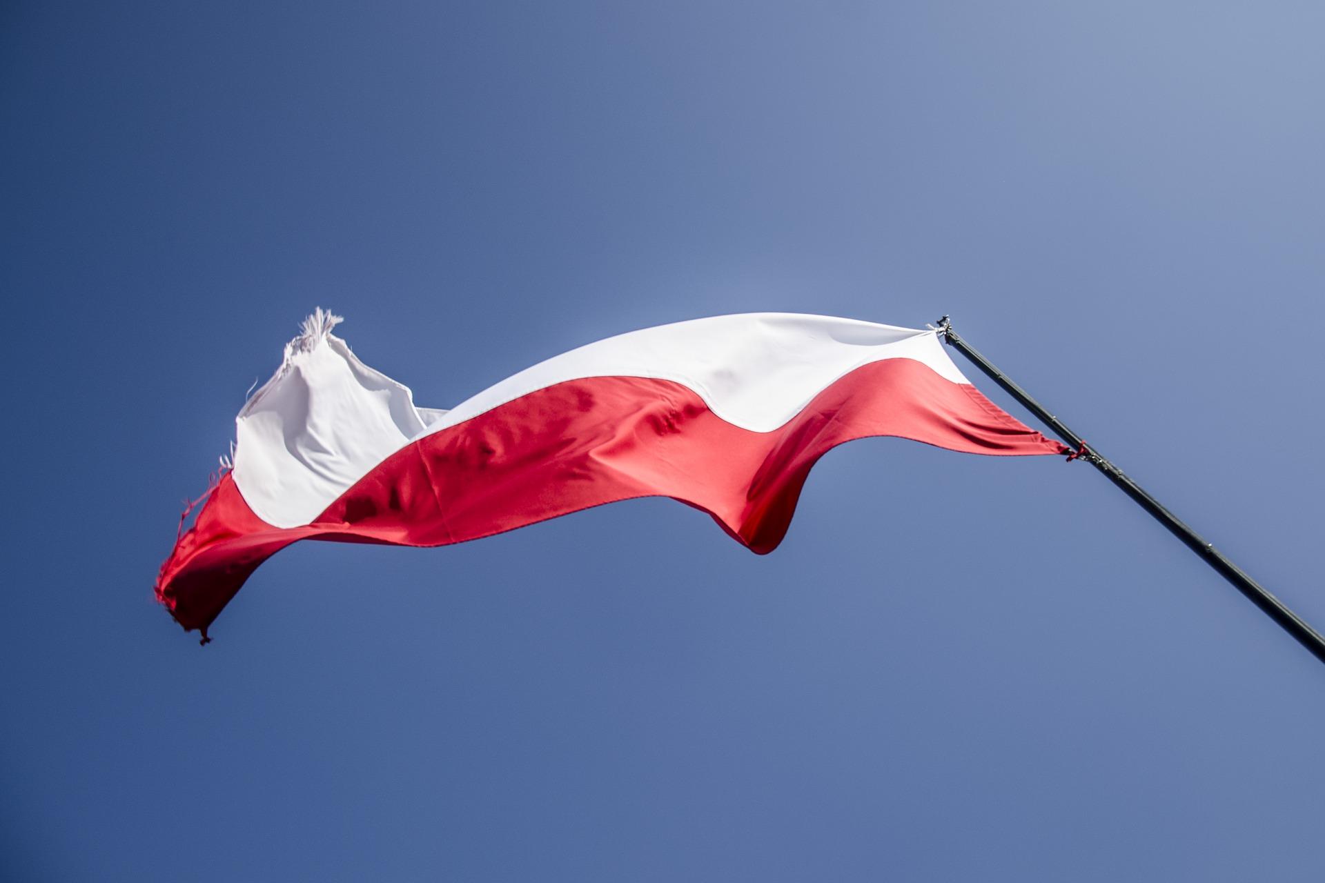 flag-2833903_1920